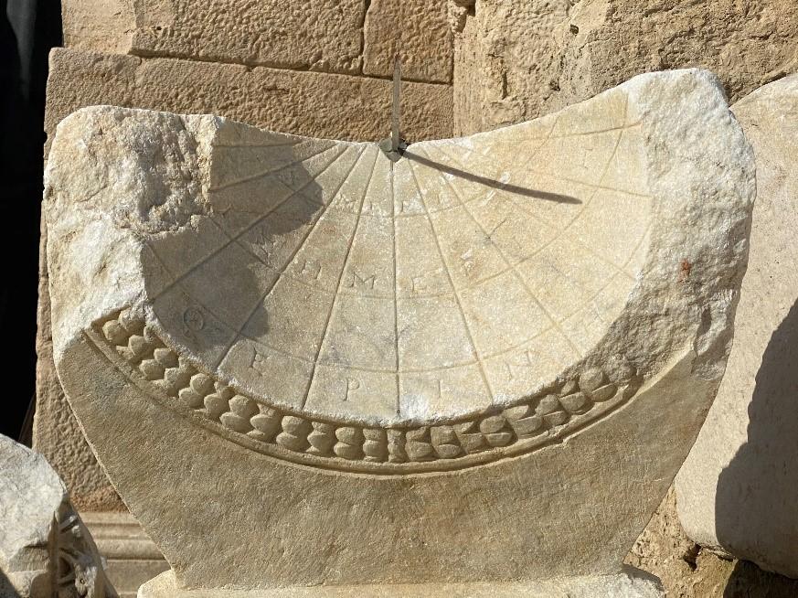 [トルコ] 2000年前の日時計が発掘される ユネスコ暫定世界遺産・ラオディケア
