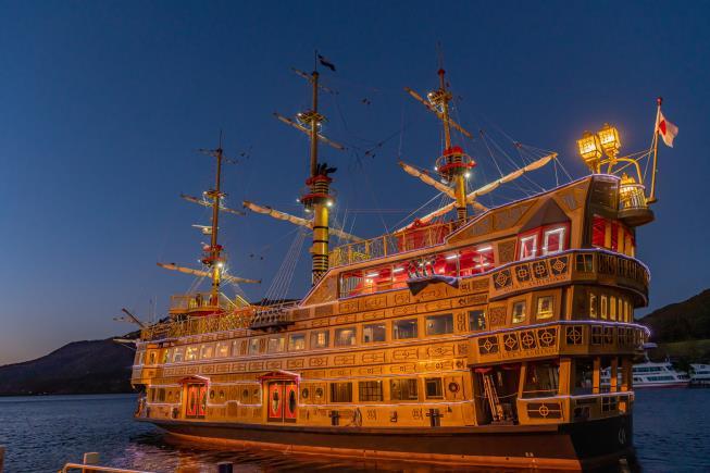 《箱根海賊船》芦ノ湖の夕暮れを楽しむ『Sunset Cruise』が4月~6月の土曜日に限定運航