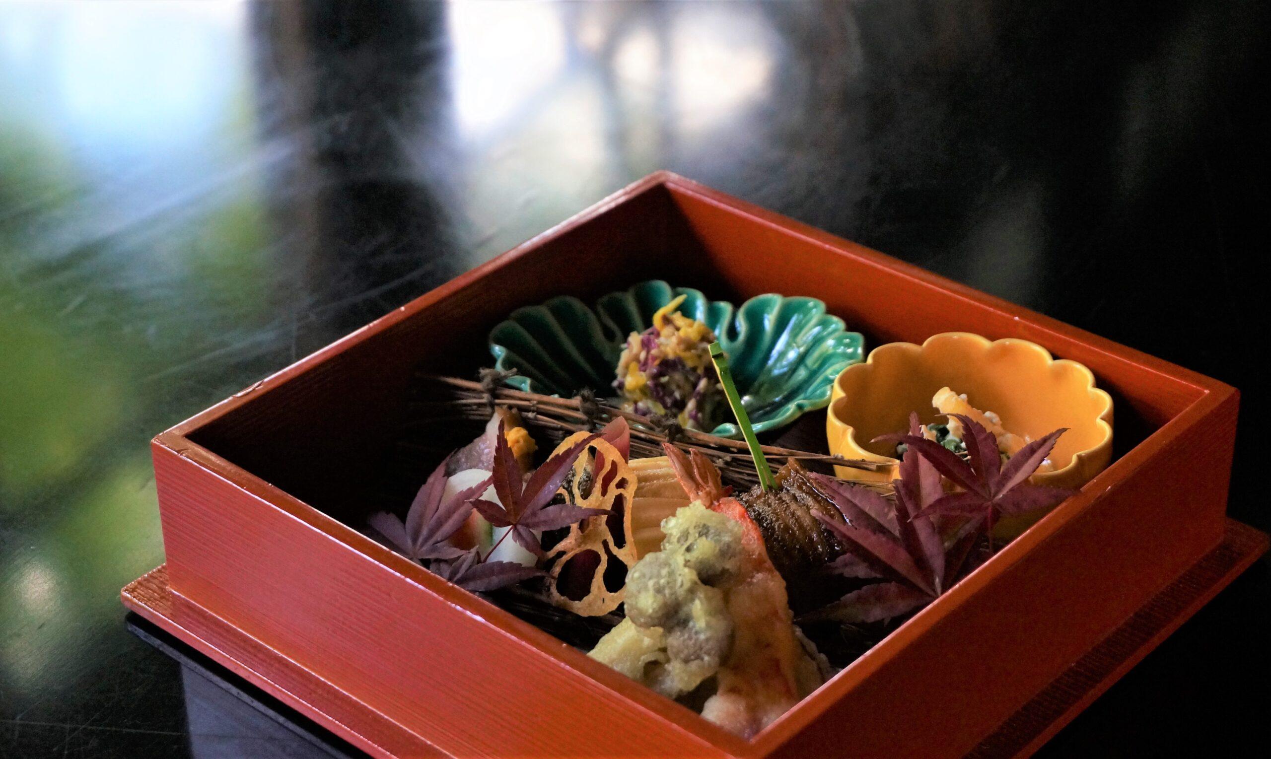 箱根・富士屋ホテルで「記念日宿泊プラン~Anniversary Stay~」を販売開始 フラワーやアニバーサリーケーキのプレゼントも
