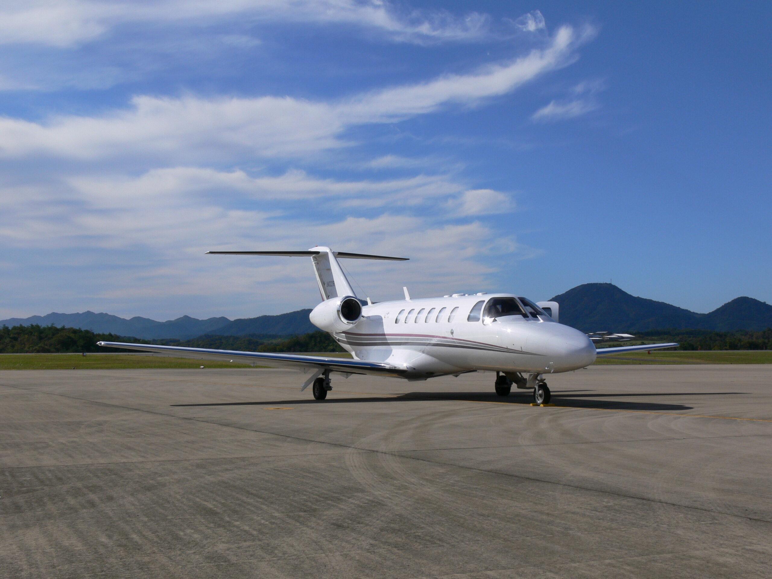 プライベートジェットで空から2022年の初日の出、「ROKU KYOTO」で600万円の特別プランが登場